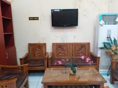 Meja, Kursi dan Sarana Penerimaan (Desk Information)